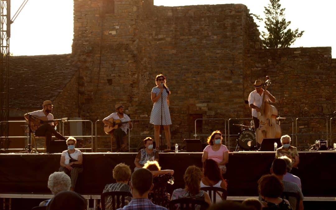El homenaje a las mujeres del Sobrarbe muestra el compromiso del Festival Castillo de Aínsa de mirar hacia el territorio