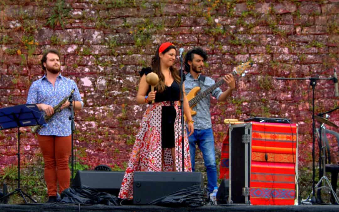 Urpi Barco enriquece la programación del Festival Castillo de Aínsa haciendo gala de sus raíces étnicas